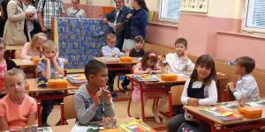 První den ve škole - 1602069808_20200901_090102.jpg